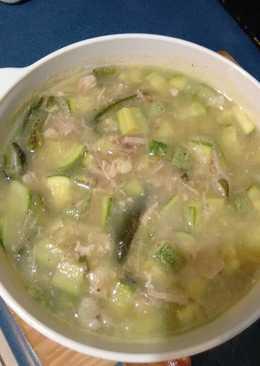 pulpa de cerdo en salsa verde con calabacitas y chile poblano