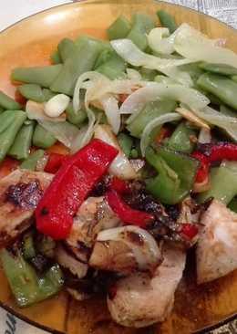 Solomillo de pavo salteado con verduras