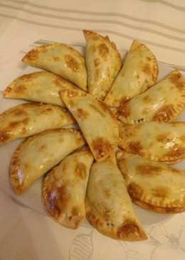 Empanadillas de morcilla y pera con thermomix