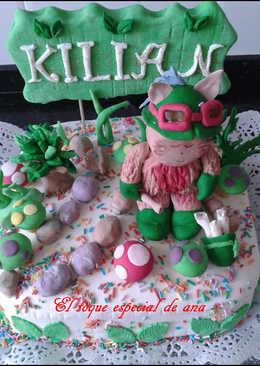 Tata rellena de frosting de chocolate decorada con fondant de Kilian