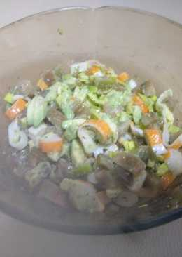 Ensalada de aguacate y surimi