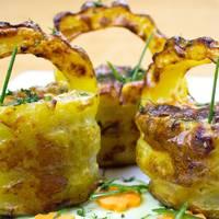 Cestas de patata con bacón y champiñones