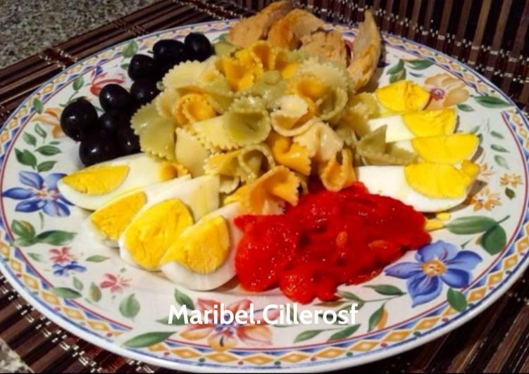 Ensalada fresca de pasta con salsa al gusto de cada - Ensalada fresca de pasta ...