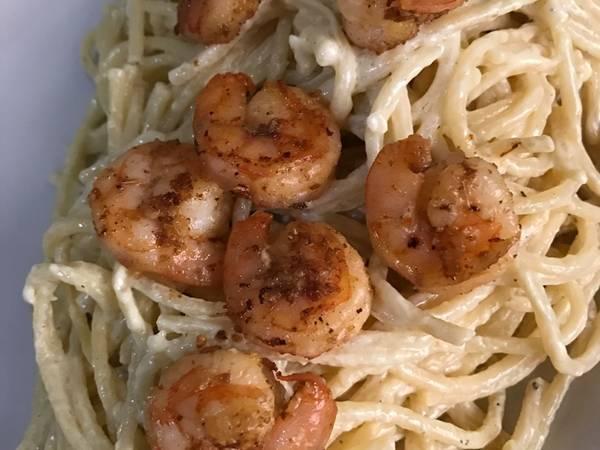 Espaguetis blancos con Camarones
