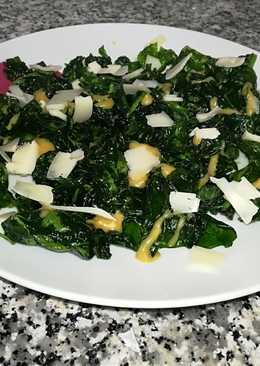 Ensalada crujiente de espinacas con vinagreta de mostaza y miel