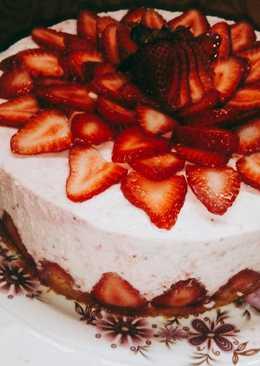 "Torta mousse ""Carrousel de frutillas"""