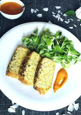 Pastel salado de arroz integral y queso con salsa casera