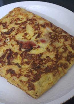 Tortilla cuadrada de pimientos y patatas