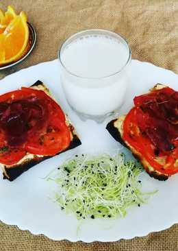 Chapata con queso, tomate y jamón curado crujiente - muy fácil