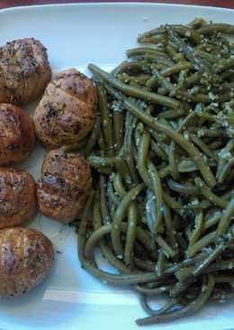 Patatas asadas con hierbas de la Provenza y judías verdes salteadas