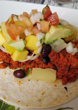 """Tacos veganos de """"cochinita"""" pibil de soja texturizada"""