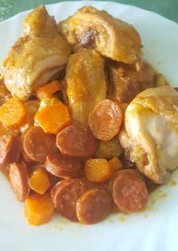 Pollo en salsa con chorizo