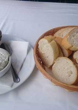 Pan con alioli! Lo que no puede faltar en mi comida