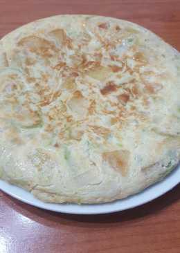 Tortilla de patata calabacín y cebolla