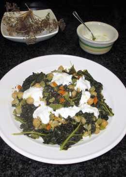 Col kale con garbanzos y salsa de yogurnatural 0%