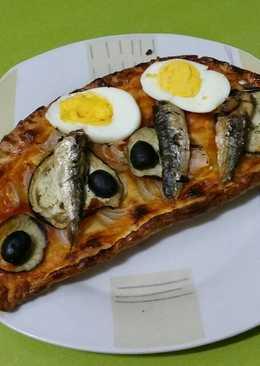Coca de sardina con pasta britt