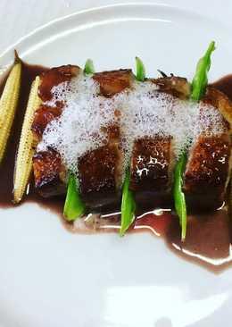 Magret de pato con salsa oporto y chocolate