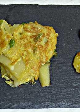 Tortilla de pimientos de Padrón con plátano frito