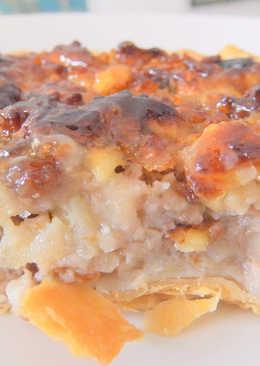 Pastel de manzana, nueces y pasas