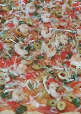Pizza de gambas y verduras /comida de Marruecos