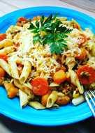Macarrones con calabaza, zanahoria y carne picada especiadas