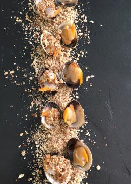 Berberechos al vapor con frutos secos