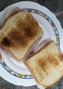 Sándwich jamón y queso