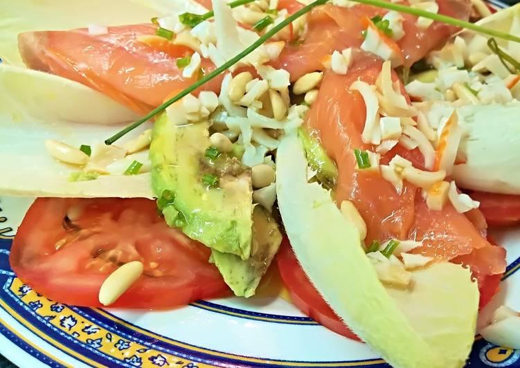 Ensalada de endivias con salm n ahumado aguacate y tomate receta de josevillalta cookpad - Ensalada con salmon y aguacate ...
