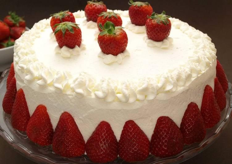 Pastel de fresa facil receta de miguel angel ruiz garcia for Como decorar una torta facil y rapido