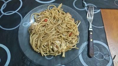 Chow mein de pollo (fideos chinos)