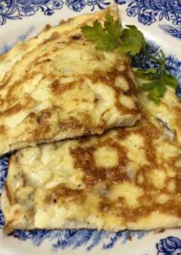 Tortilla francesa de queso azul y nueces