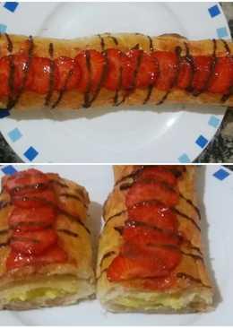 Caña de hojaldre con crema y fresas