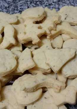 Galletas de queso, tomillo y albahaca