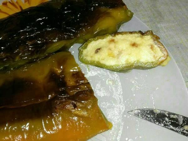 Pimientos rellenos de crema de tortilla de patatas con cebolla