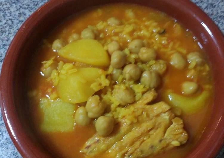 Guiso o rancho de garbanzos patata arroz y bacalao - Bacalao con garbanzos y patatas ...
