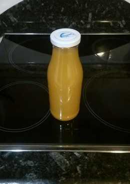 Infusión de fenogreco, zumo de naranja y especias