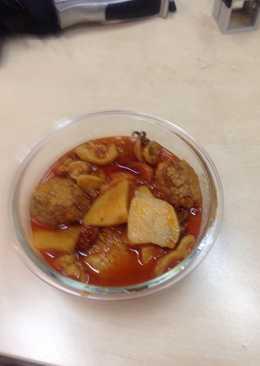 Albóndigas con sepia y patatas al estilo ana