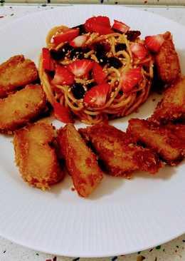 Bacalao frito en tempura con sésamo y ensalada de espaguetis con frutas