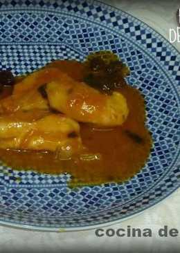 Pollo con leche de coco, cítricos y frutos secos