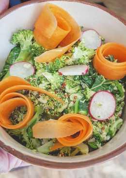 Ensalada de brócoli y col rizada