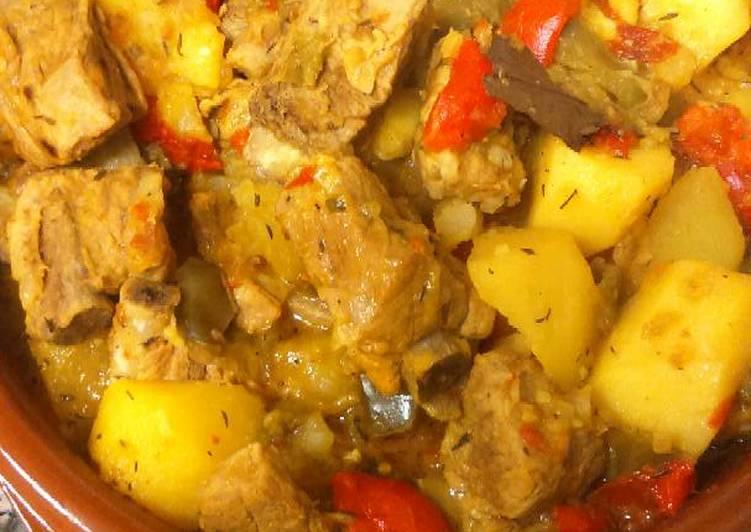 Guiso de costillas de cerdo con patatas receta de marvi - Patatas con costillas de cerdo ...