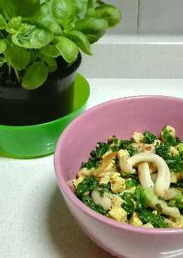 Tofu al curry con kale y setas