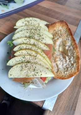 Sándwich de salmón y manzana