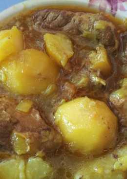 Costillas con patatas y/o verduras