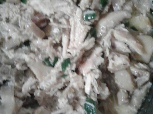 Sándwich de pollo con crema y champiñones