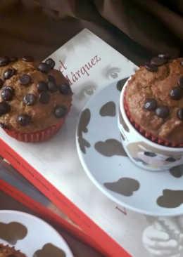 Muffins integrales de calabaza y canela con nueces y chocolate