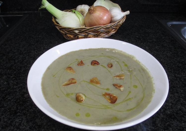 Crema de alcachofas y hinojo con infusi n de alcachofas for Cocinar hinojo