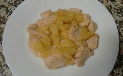 Pechuga de pollo marinada con patatas