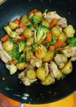 Pollo con verduritas