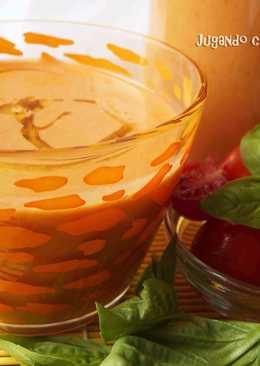 Sopa de tomate Caprese con mozzarella y albahaca - Con y sin Thermomix